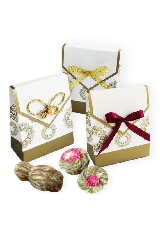 Virágzó tea arany dobozkában